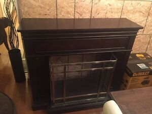 Fire place mantel without insert