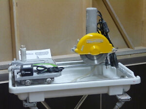 "Wet Tile Saw 7"" Workforce, with folding stand and extra blade Gatineau Ottawa / Gatineau Area image 1"