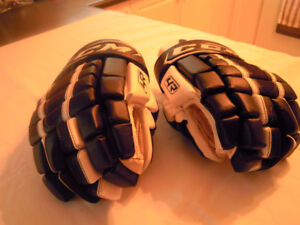 CCM - Elite - Hockey Gloves