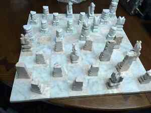 Authentic Handmade Mexican Onyx Chess Set