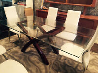 Gorgeous Dining Room Table for Sale!