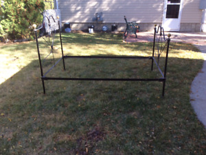Iron bed  306 540 7075
