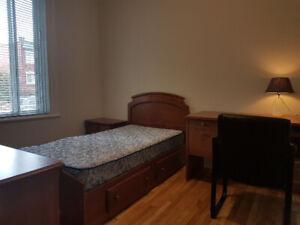 Quiet Sunny Bedroom Next to Concordia Loyola $500 All In
