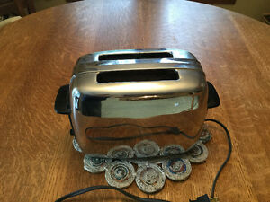 VINTAGE GENERAL ELECTRIC CHROME TOASTER