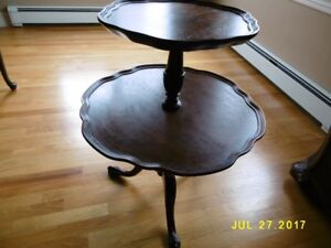 ANTIQUE DUMBWAITER 2 TIER TABLE WITH PIE CRUST EDGE