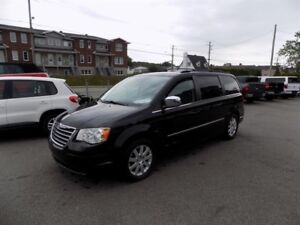 Chrysler Town - Country 4dr Wgn Touring 2010