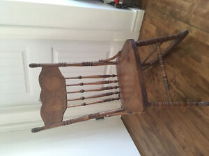 Rocking Chair - Antique solid wood