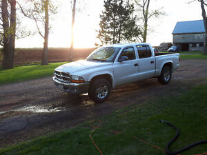 2004 Dodge Dakota SLT V8 Magnum Pickup Truck