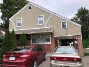 room for rent in Hamilton, female house