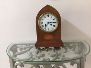 Chiming French mantle clock in working condition