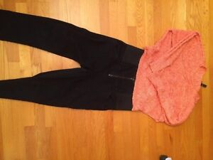 HIGH WAISTED BLACK JEANS AND KNIT SWEATER FOR 10$