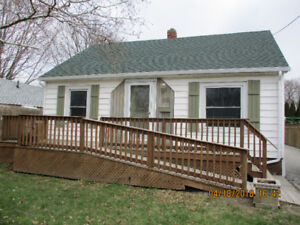 EXECUTIVE HOME FOR RENT WITH POOL!!