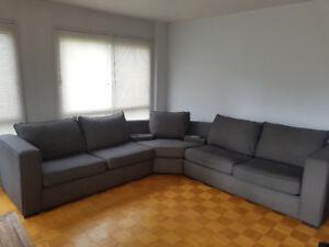 Sectionnel Sofa - très propre - À Vendre