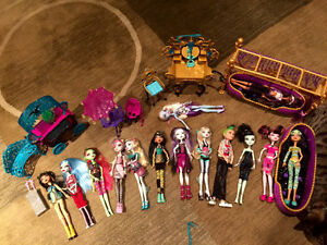 Monster High Dolls & Accesories