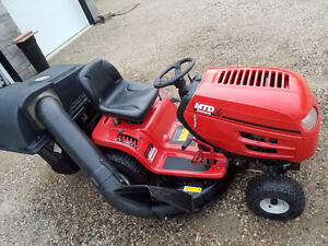 2003 MTD Riding Lawn Tractor