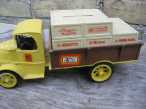 DIE  CAST METAL  TOYS London Ontario image 7