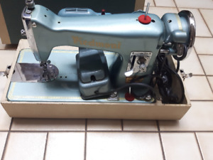 Old Antique Piedmont Super De Luxe Sewing Machine(it works!)