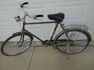 VINTAGE  3 SPEED  C.C.M.(ELNA) 23INCH MENS BIKE