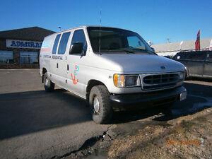 2000 Ford E-150 Van