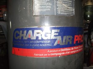 Compresseur à air 60 gallons / 60 gallons air compressor