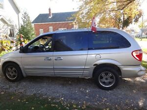 2001 Chrysler Town & Country Minivan, Van