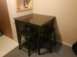 Bar hight table and chairs