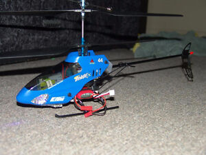 Blade cx2 RC helicopter with lots of parts