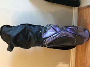 Full set of women's right-handed golf clubs with carrying bag