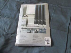 Rideau de douche NEUF jamais utiliser 310 fils / 100% coton