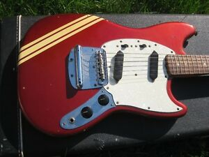 1970 Fender Mustang Competition red vintage..Échange possible