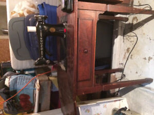 Antique Singer Sewing Machine and sewing table