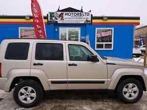 2011 JEEP LIBERTY 4X4 3.7L LOW KM