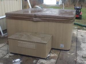 Mint condition Beachcomber hot tub
