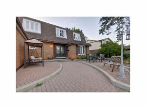 4 bedroom home - large lot - Hunt Club - central Ottawa!