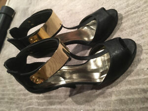 Size 9 heels/talon haut black and gold worn once
