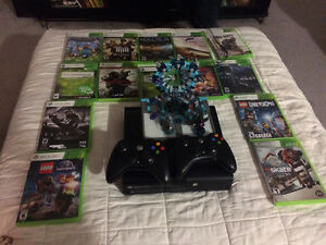 Xbox 360 2 controllers + 14 games
