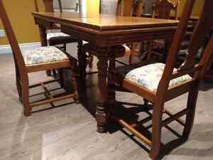 Antique table set, moving sale!!! St. John's Newfoundland image 4