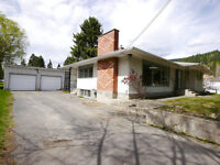 Large family home in beautiful Castlegar