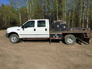 2004 Ford F-350 4 x 4 Deck/5th Wheel Truck