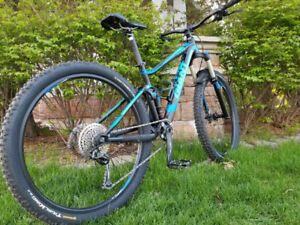 """Giant Stance XS 27.5"""" Excellent Condition"""