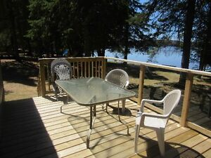 Lakefront Cottage Hot Tub, Wood Stove, Campfire, Sunsets, Deck