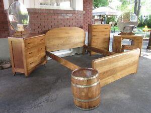 Superbe Mobilier de Chambre Antique en Bois