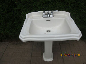 2 PEDESTAL WHITE SINKS & TAPS