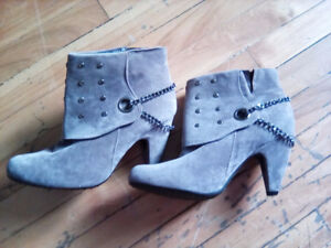 New- boots size 8,