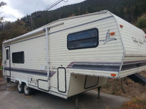 1994  25' golden falcon 5th wheel for sale Lillooet