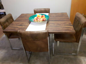 Vintage/retro dining table with leaf, vinyl chairs, chrome legs