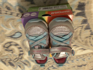 Like new Stride Rite size 5XW