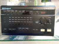 Roland CR-1000 drum machine, beat box