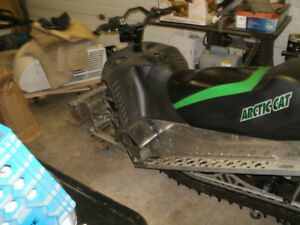 WRECKING--2011 ARCTIC CAT  CROSSFIRE SNO PRO