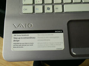 Sony VAIO 15.6'' pink Laptop (Bilingual, 2.1 GHz Intel & 4G RAM)